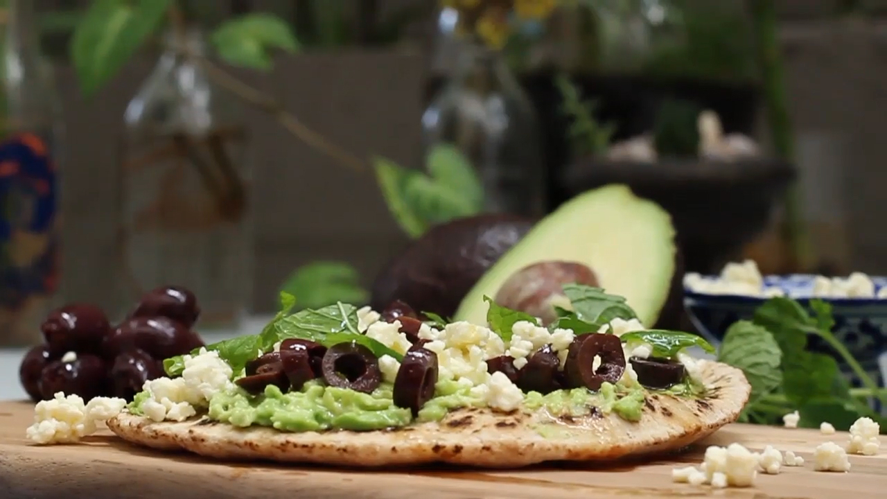 Smashed Avo Pita Recipe