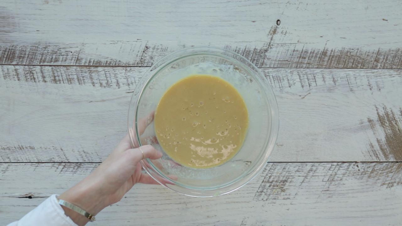 How to Make Carrot Cake Pancakes