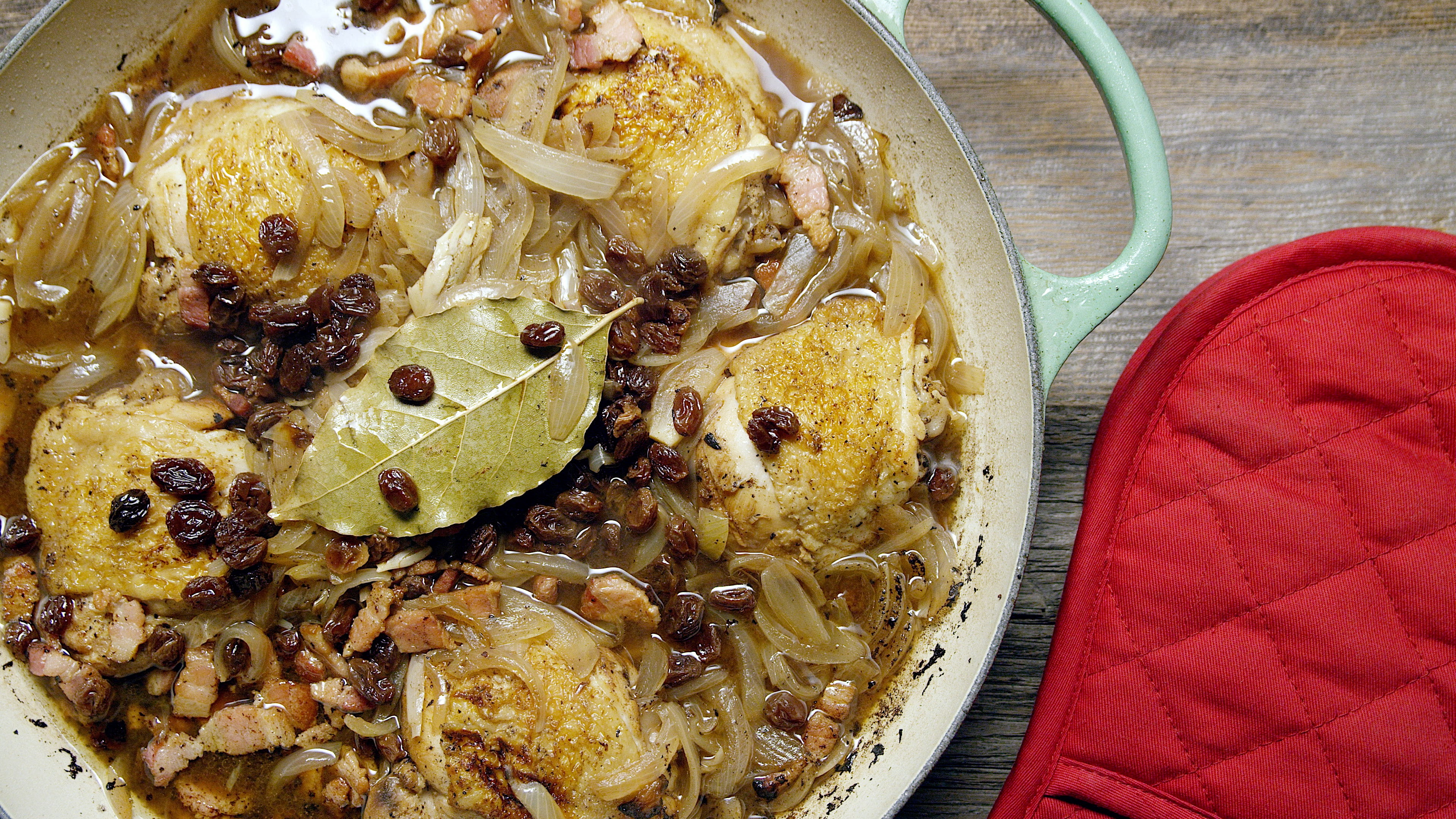 How to Make Vinegar-Braised Chicken and Onions
