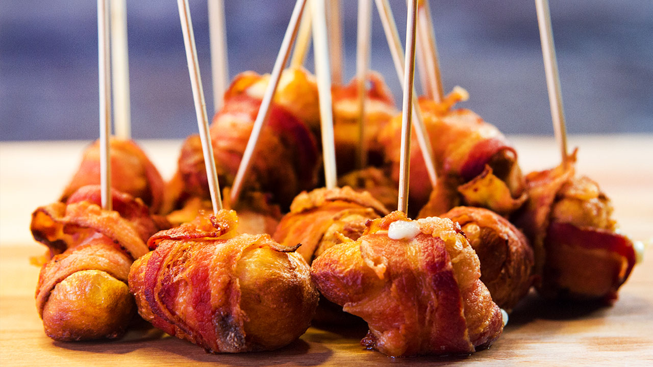 Cheesy Bacon Bombs, an Explosion of Flavor in Every Bite!