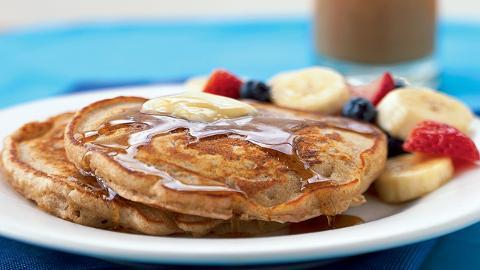 Dinner Tonight: Whole Wheat Buttermilk Pancakes