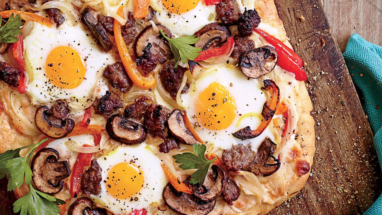 How to Make Breakfast Sausage-Egg Pizza with Mornay Sauce