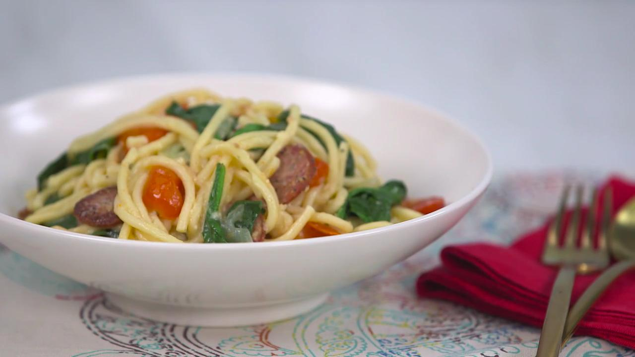 One-Pot Sausage and Spinach Spaghetti