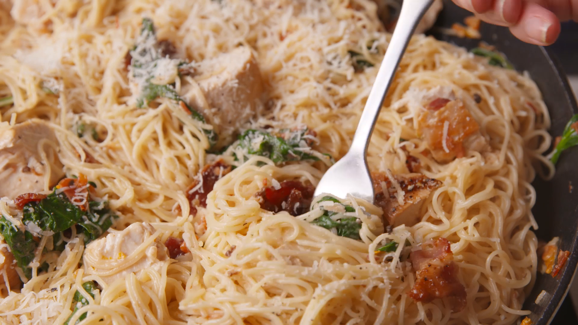 How to Make Chicken, Bacon, and Spinach Spaghetti