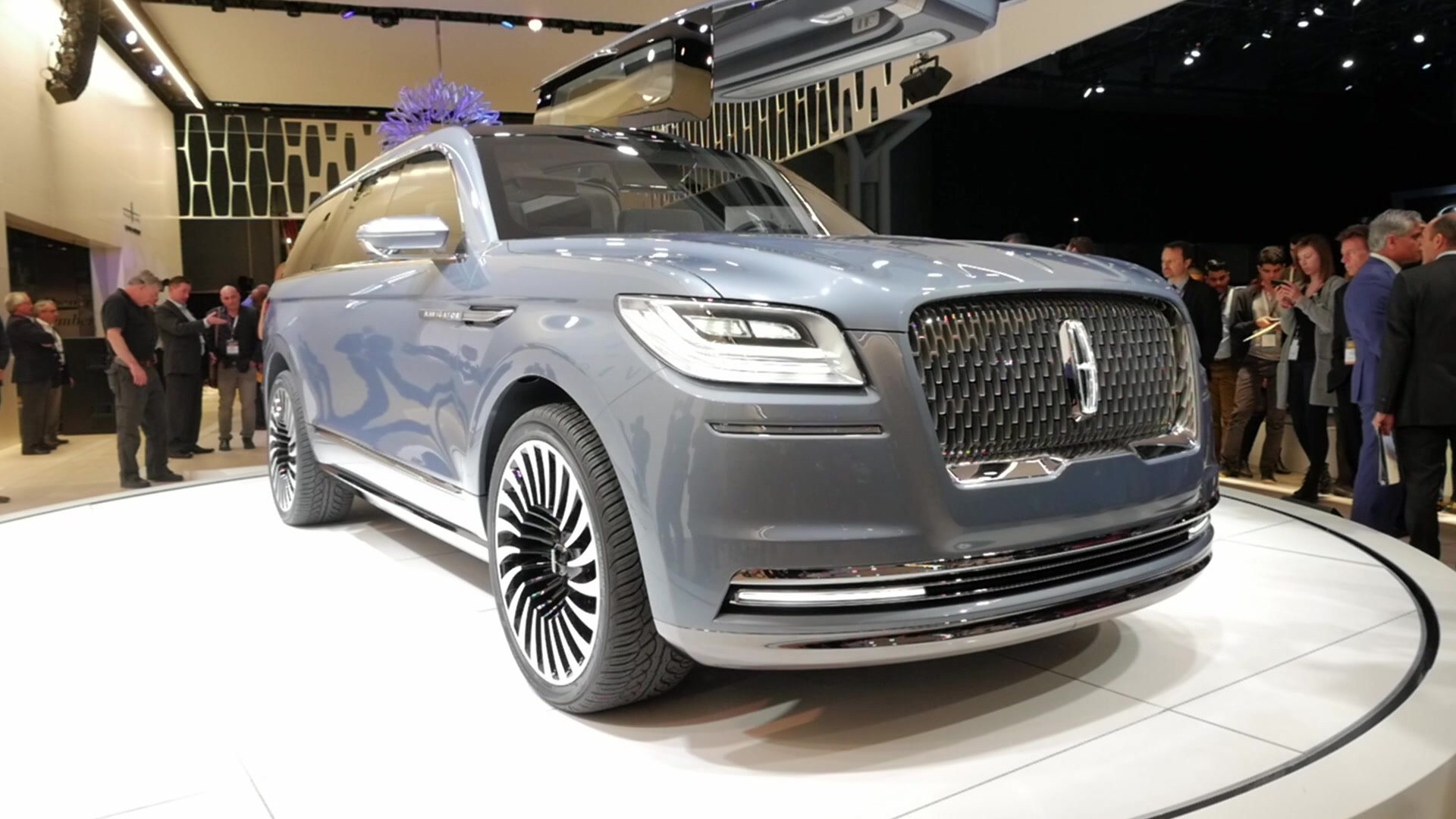 Lincoln Reignites The Navigator With Bold Concept Autoblog Sport