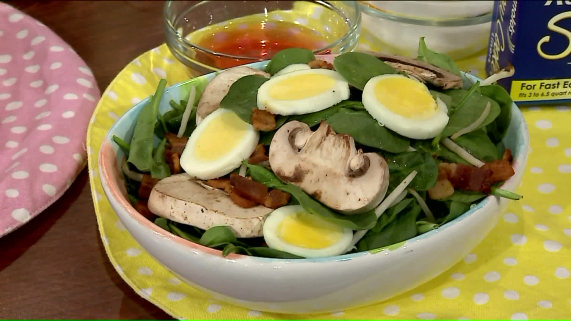 How To Make A Spinach And Bacon Salad