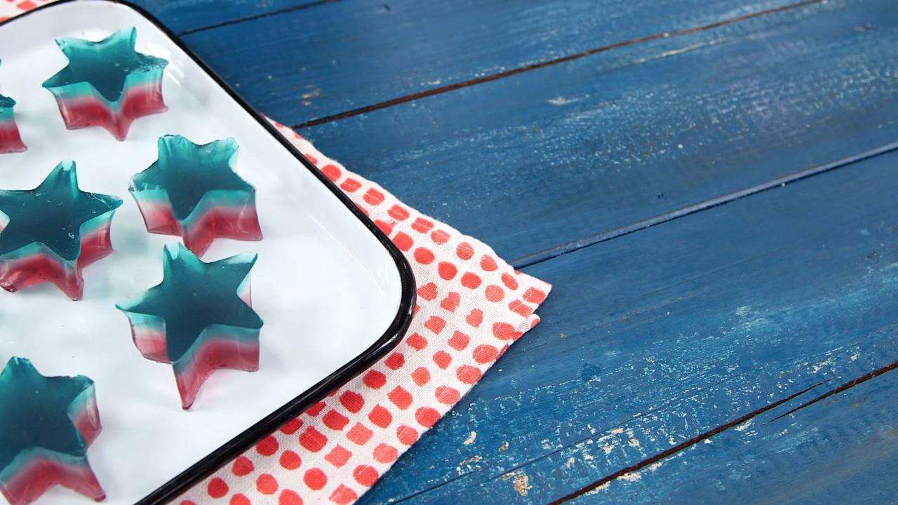 How to Make Patriotic Fruit Gummies
