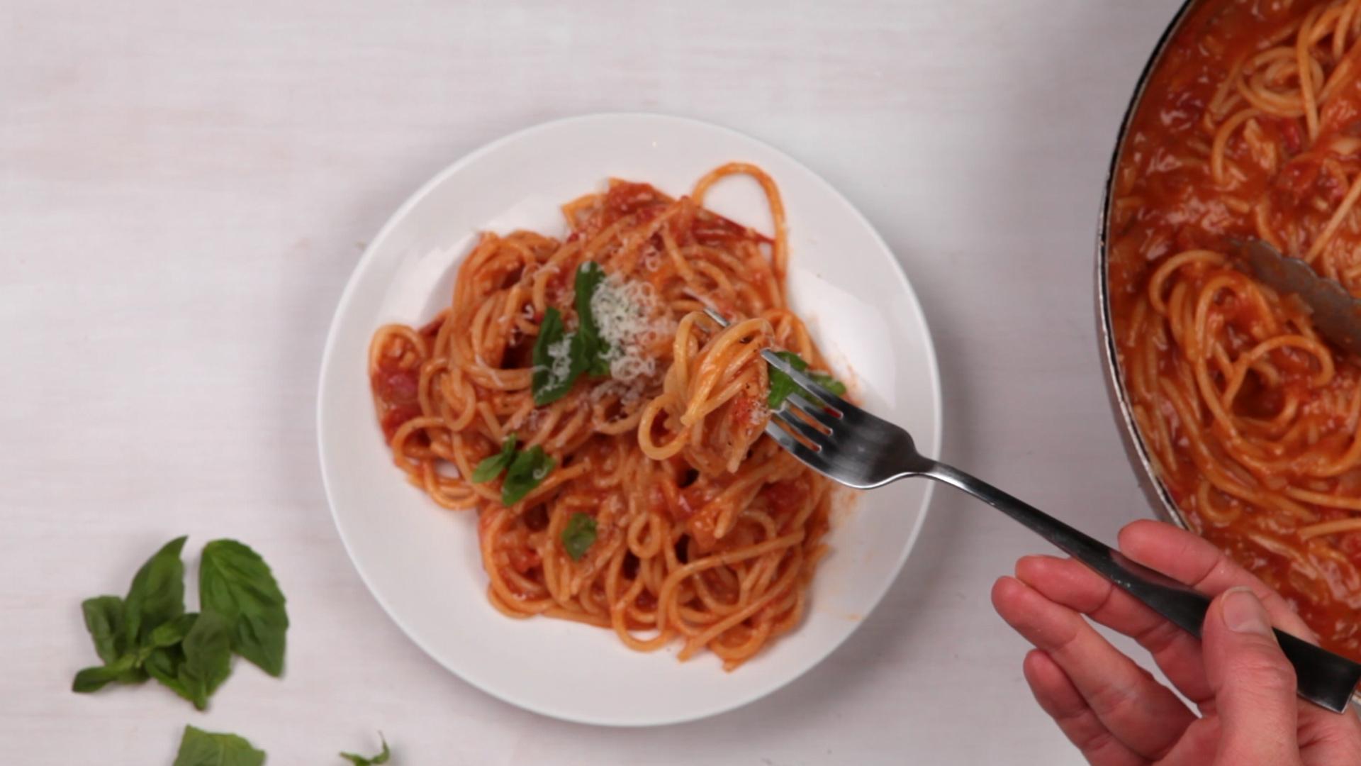 How to Make One Pan Spaghetti