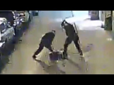 Cops Beat Man, Bribe Witnesses With His Gold Chain (VIDEO)
