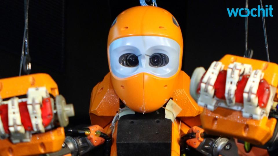Humanoid Diving Robot is Here For Your Nightmares