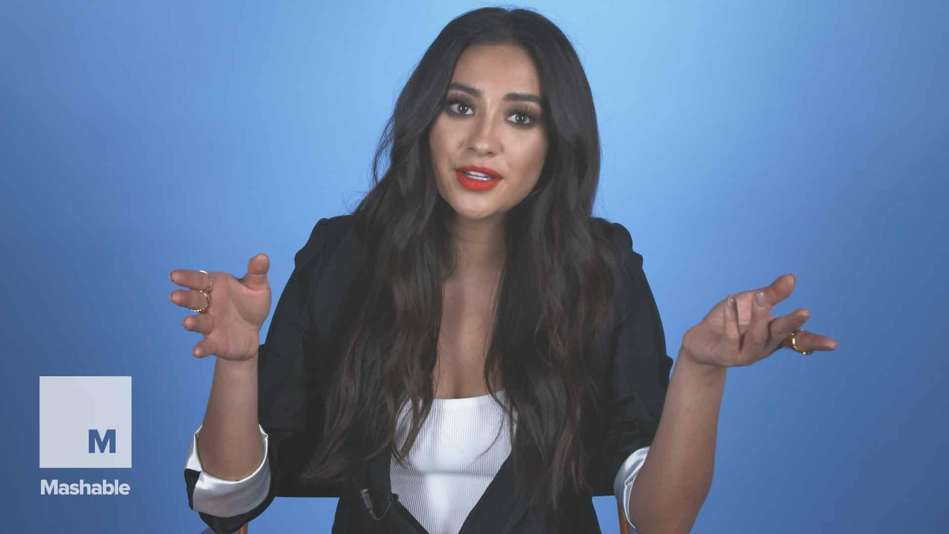 Shay Mitchell's top 11 pro tips to help moms (continue to) rule social media