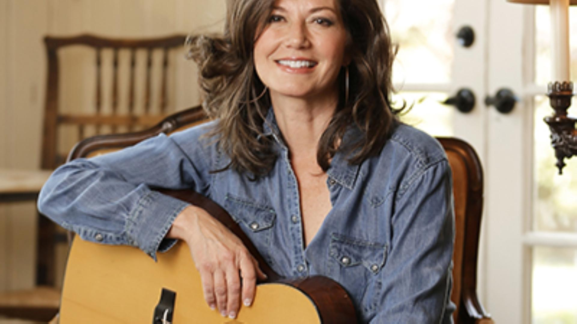 Amy Grant Reflects on 'Baby Baby' 25 Years Later