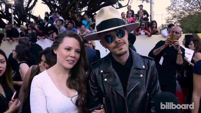 Billboard Latin Music Awards 2016: Jesse & Joy on the Red Carpet