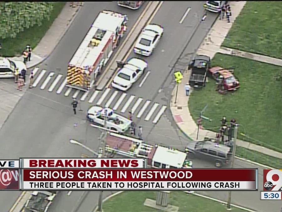 4-vehicle crash hospitalizes 3 in Westwood
