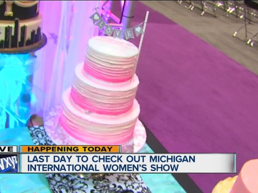 Cake decorating at the women's show