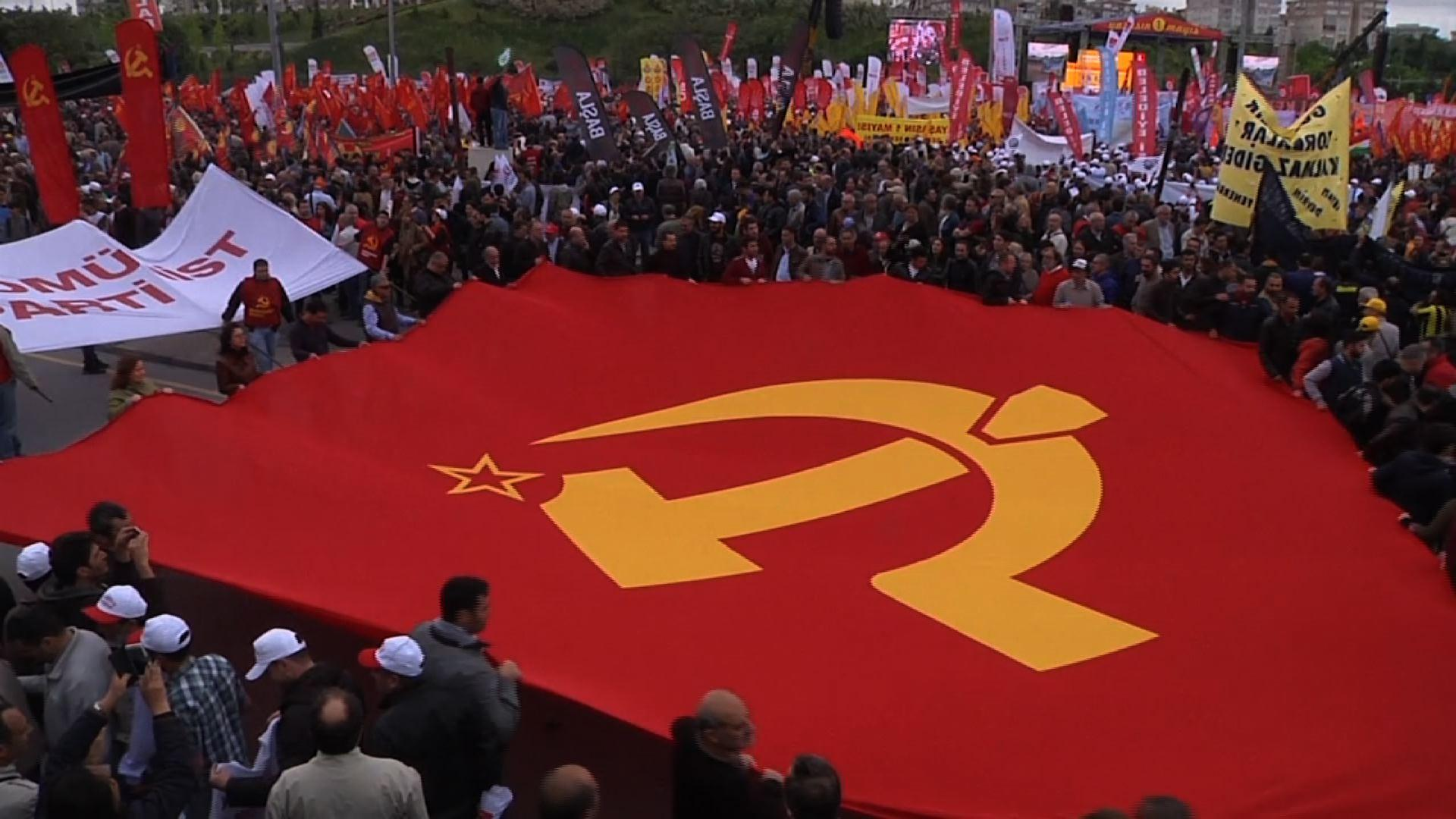 Raw: May Day Rally in Istanbul Brings Thousands