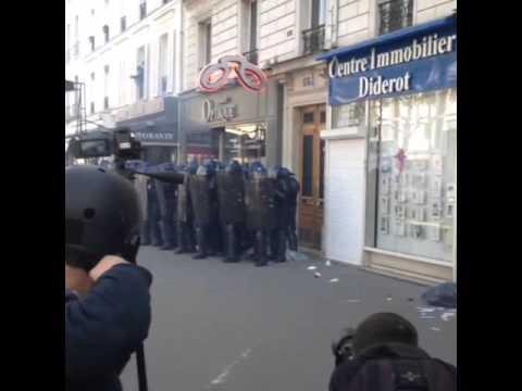 Protesters Clash With Police in Paris May Day Demonstration