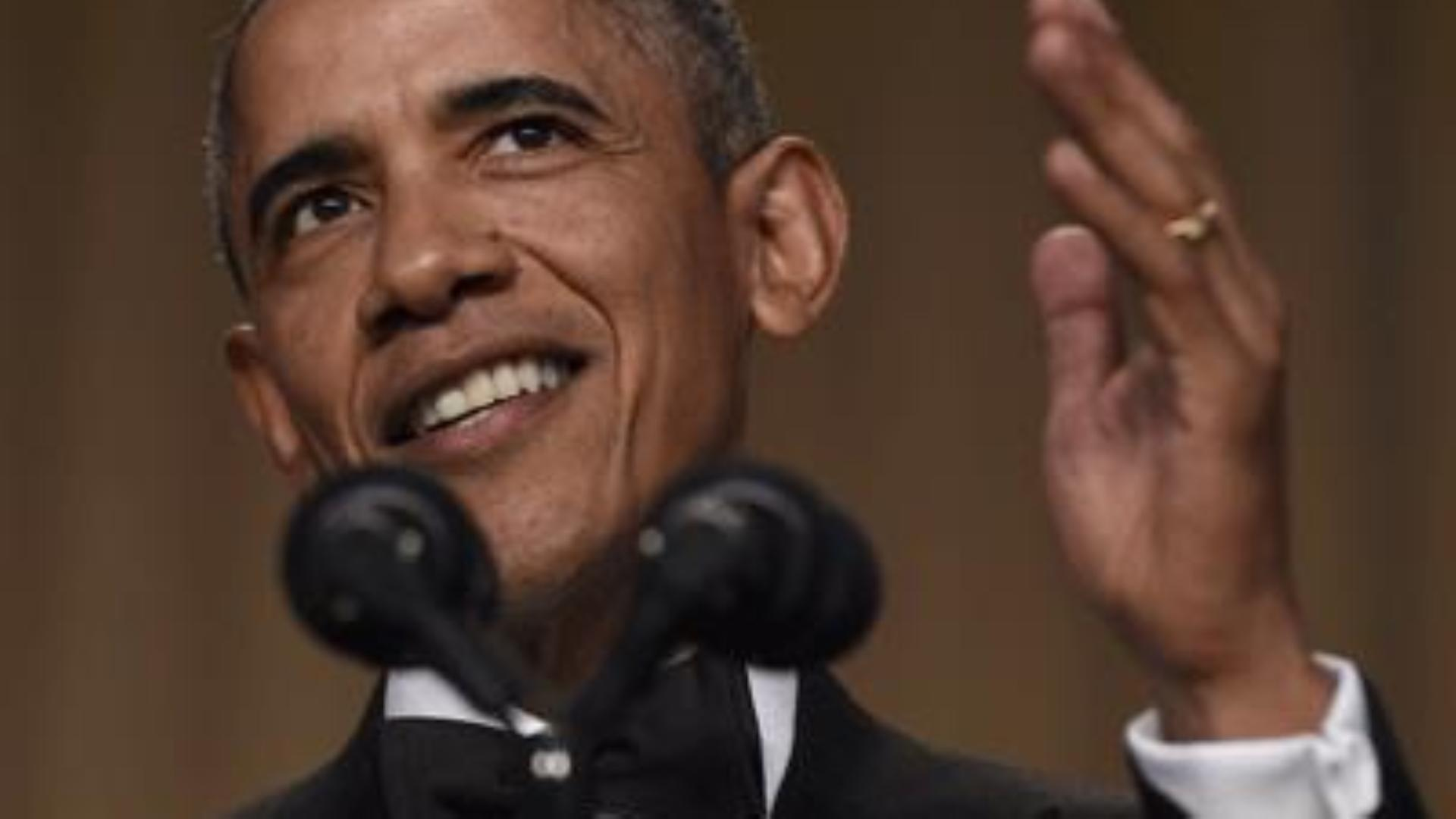 Obama Praises Press, Drops Mic at WHCD Close