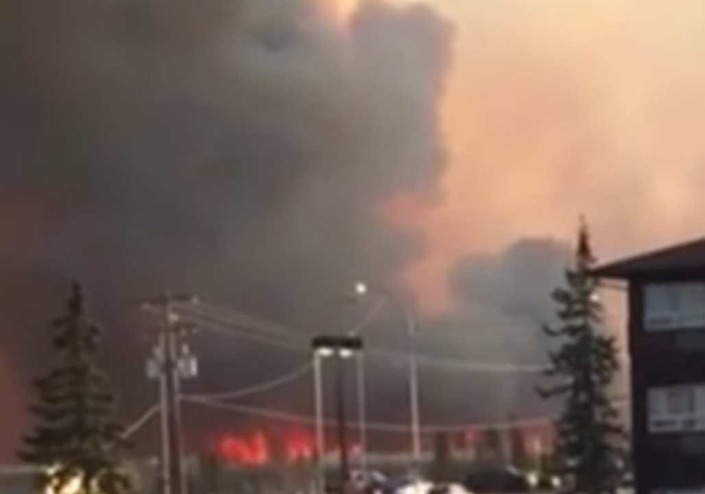 Wildfire Near Fort McMurray Forces Hundreds of Evacuations