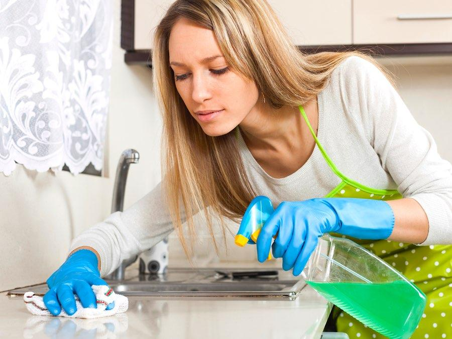 Fab or Fail: 3 Facebook Cleaning Videos Tested