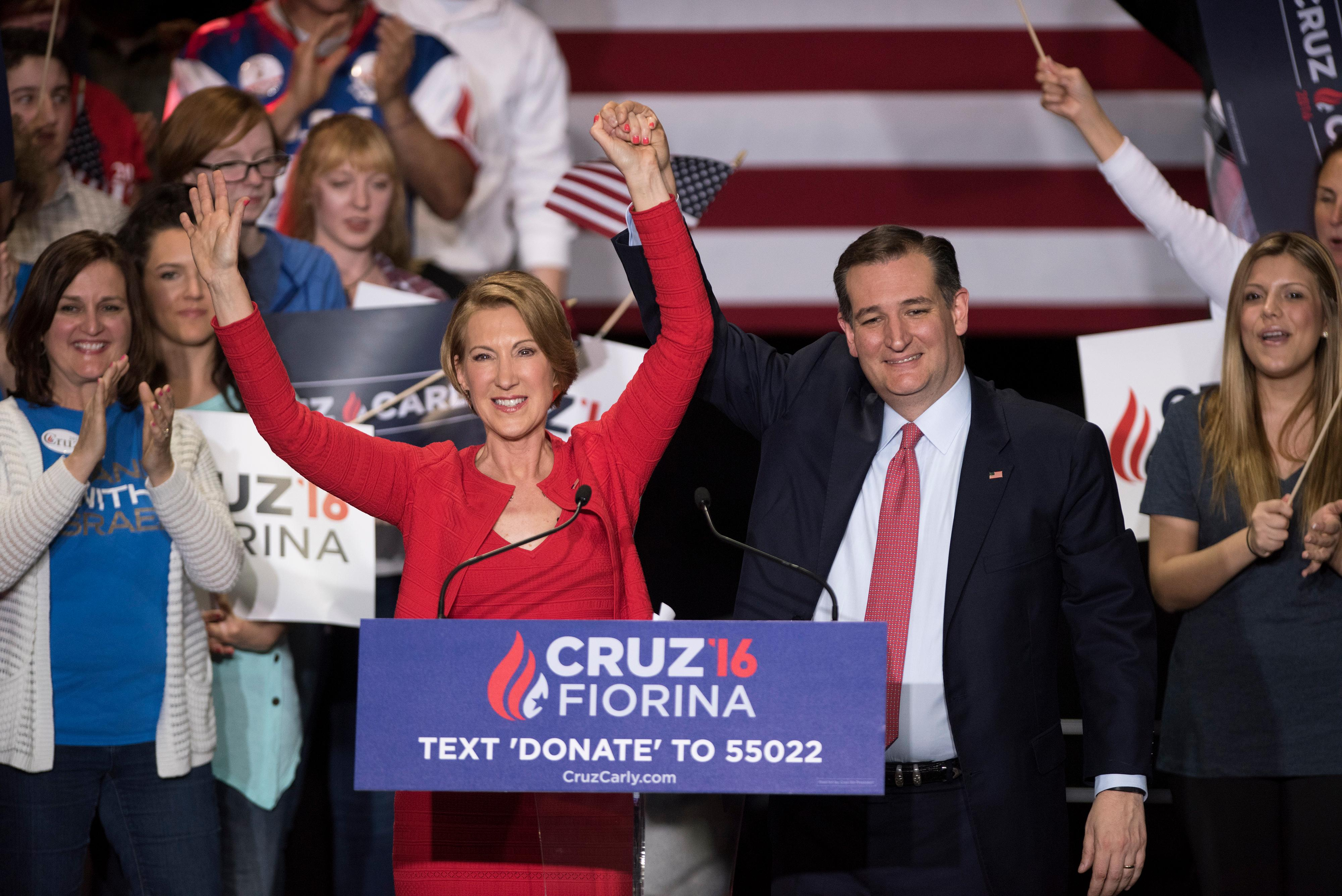 Donald Trump Wants Carly Fiorina to Know Chivalry Isn't Dead