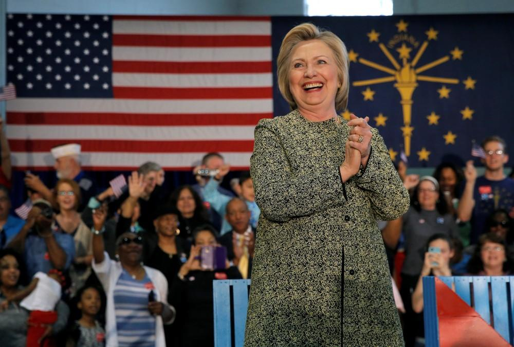 Clinton, Sanders square off in tight Indiana primary