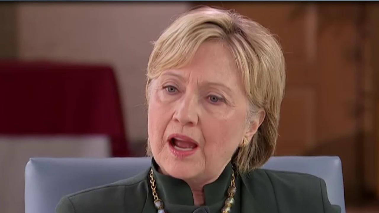 Clinton, Trump struggle with negative ratings