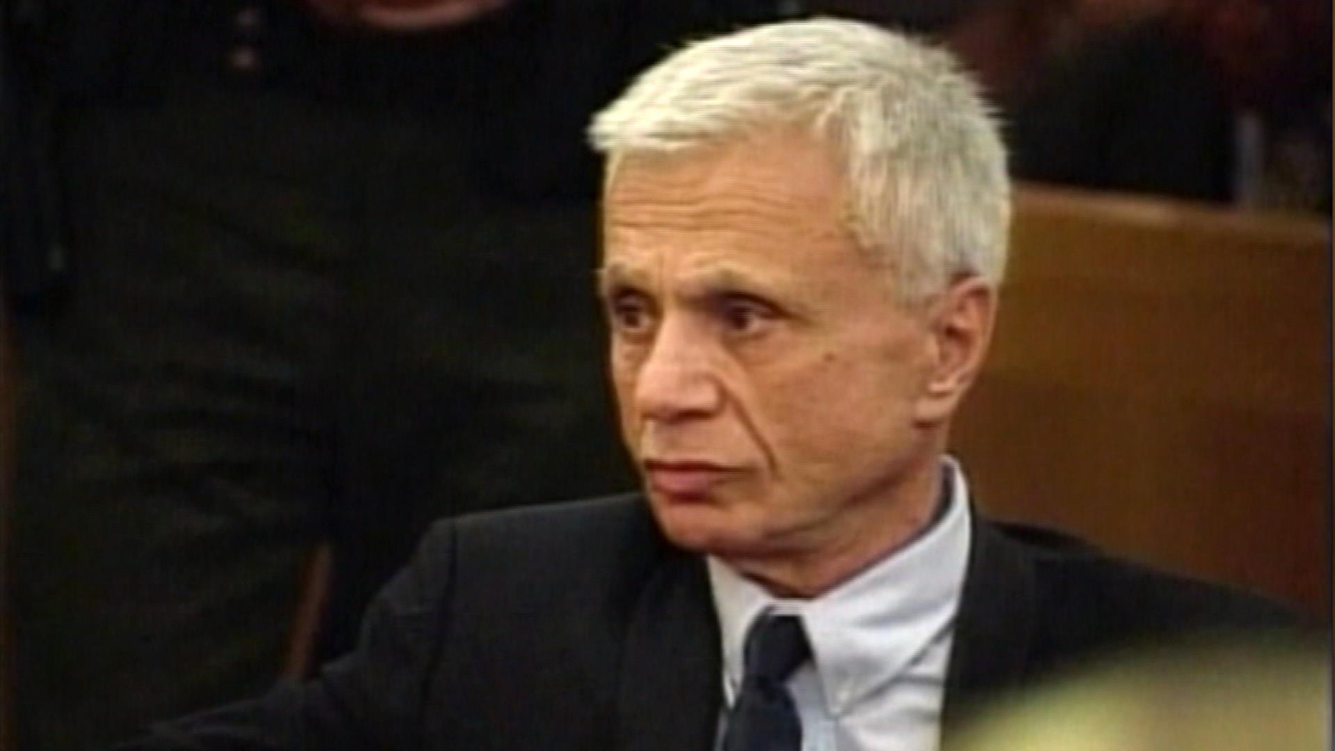 2005: Actor Robert Blake Acquitted of Wife's Slaying