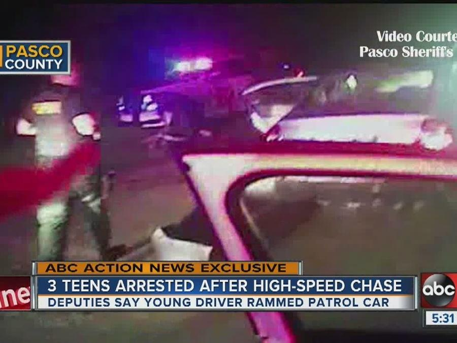 Video shows middle schoolers in stolen car ram deputies
