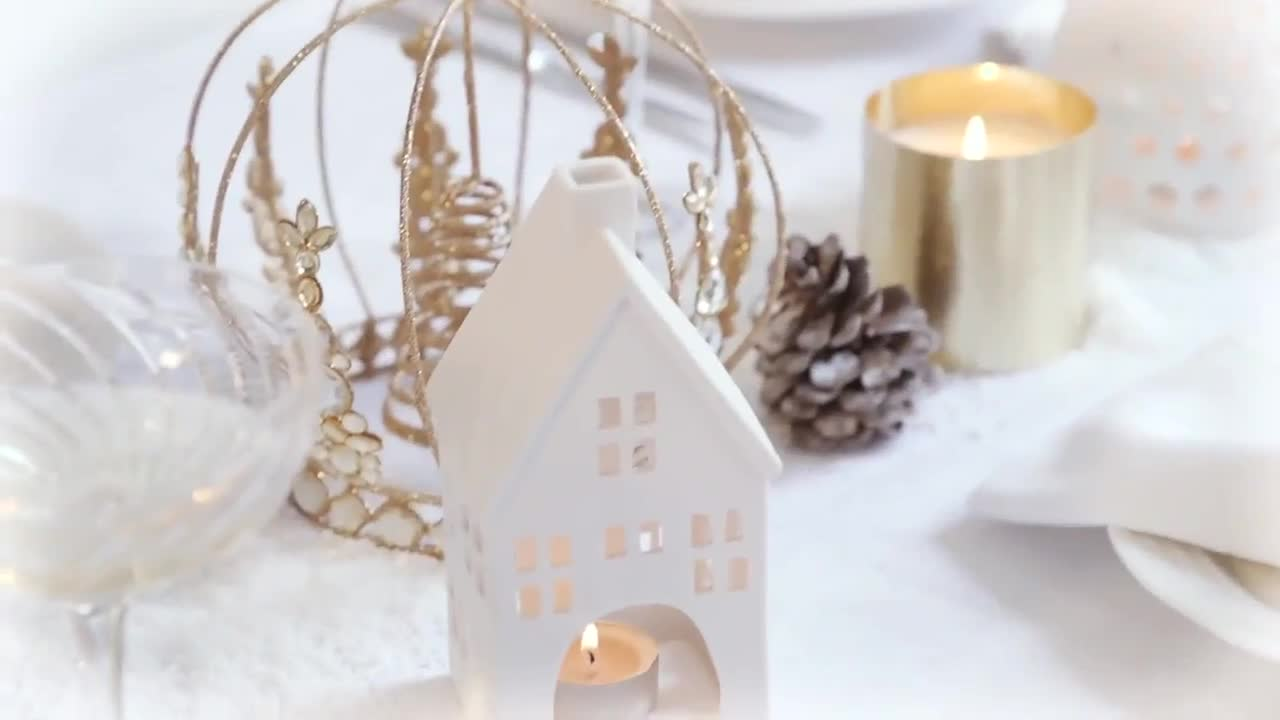 Sophie Conran's Christmas: A White and Gold Table