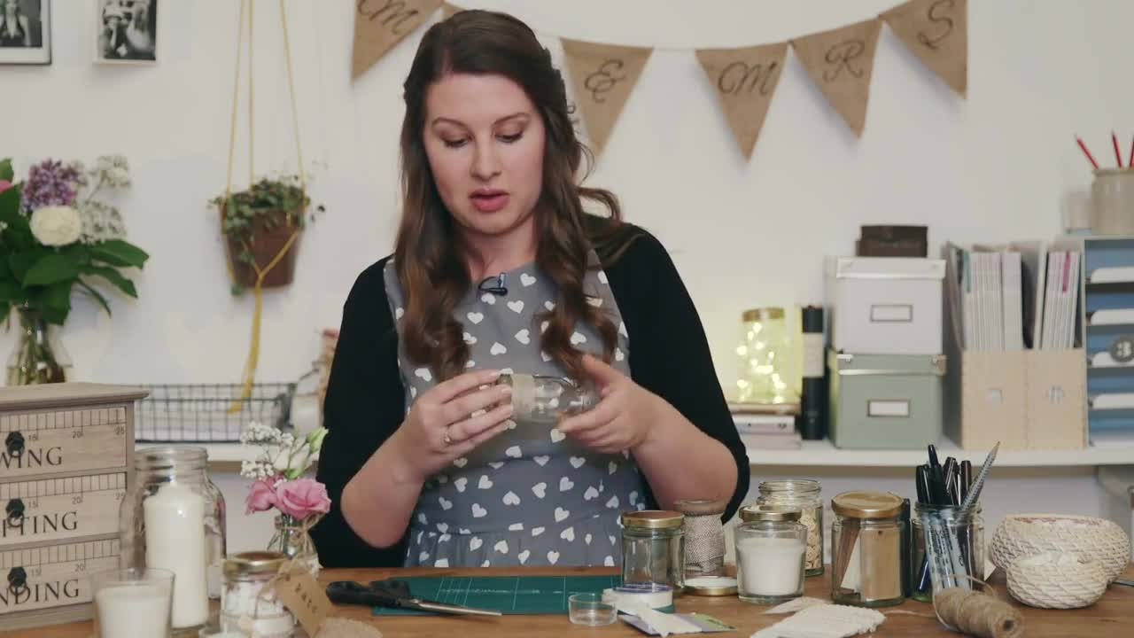 the Handmade Wedding: How to Make Rustic Country Centrepieces