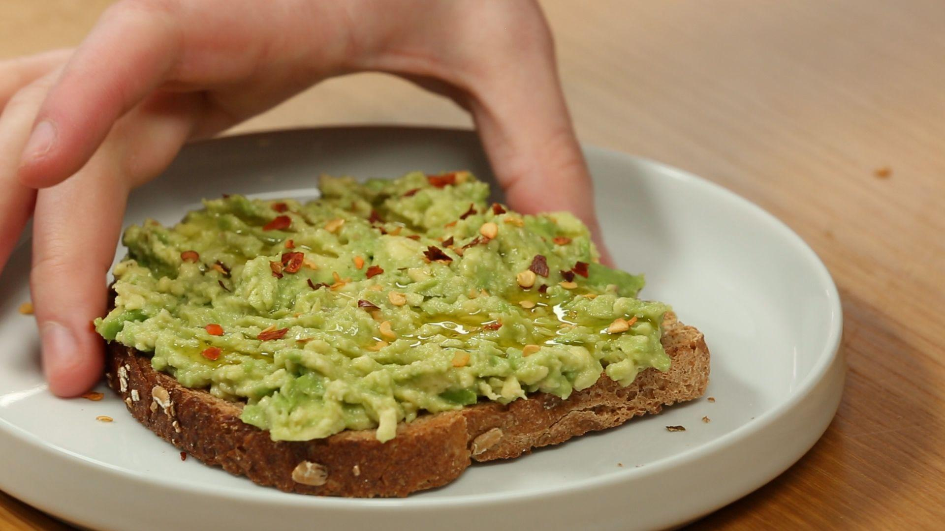 How to Make Healthy Spicy Avocado Breakfast Toast
