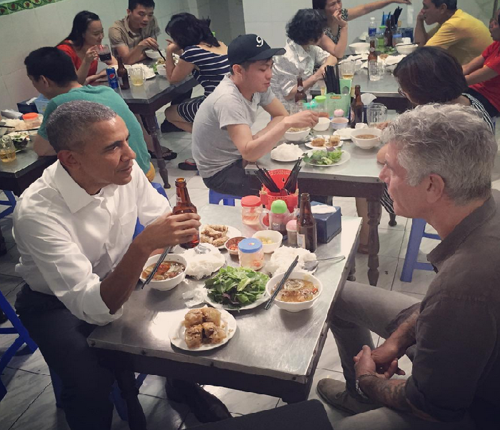 Barack Obama and Anthony Bourdain meet up in Hanoi for $6 dinner