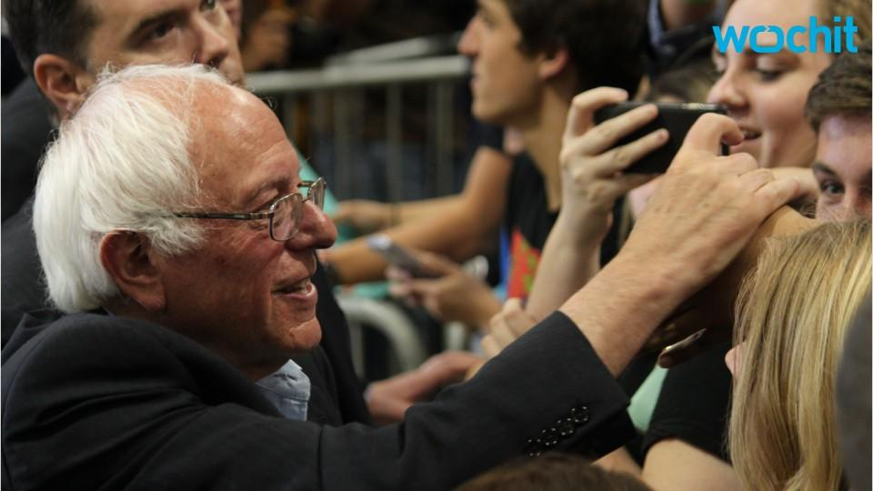 Bernie Sanders talks to deported veteran at Tijuana border: 'You should be on this side'