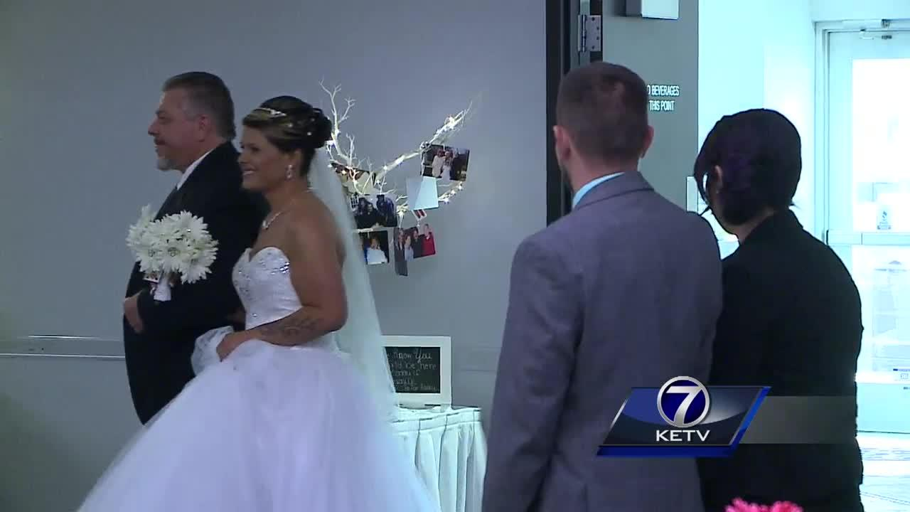 Nebraska bride loses 180 pounds before wedding