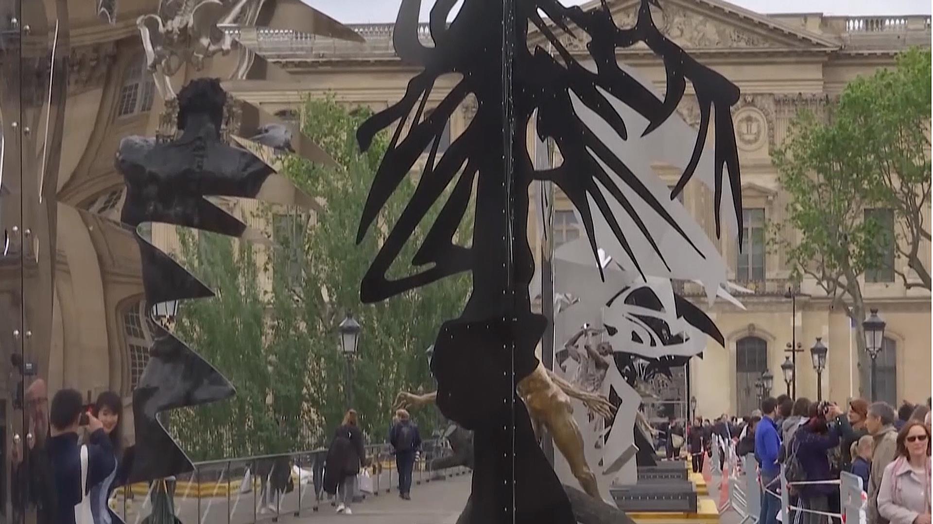 Paris Lovelocks Bridge Transformed into Sculpture Park