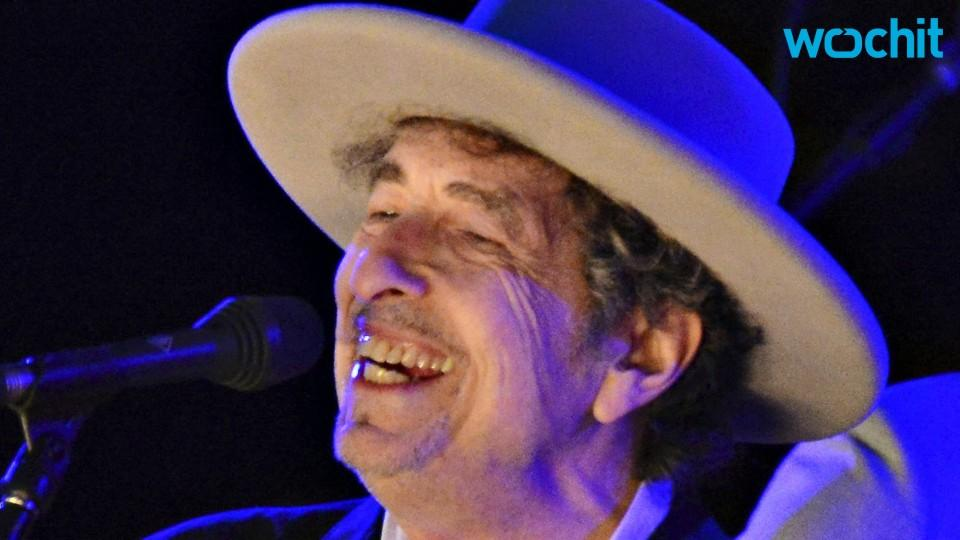 Bob Dylan Hits 75th Birthday With No Signs of Slowing Down