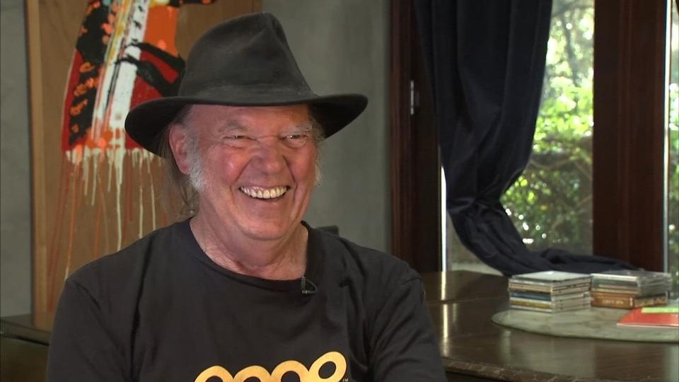 Rocker Neil Young talks U.S. presidential politics