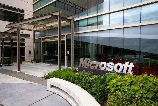 Microsoft Cuts 1,850 Jobs from Smartphone Hardware Biz
