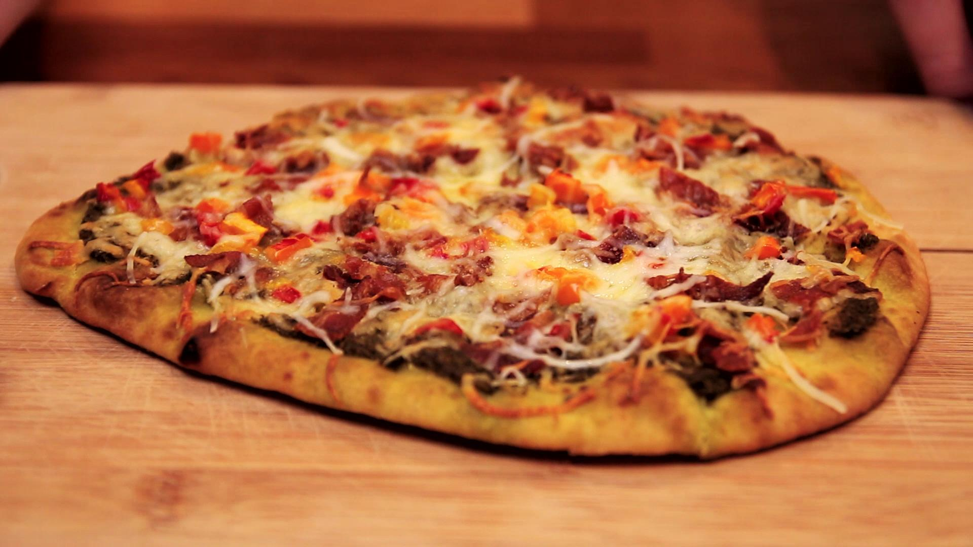 Bacon Pesto Flatbread Pizza Recipe