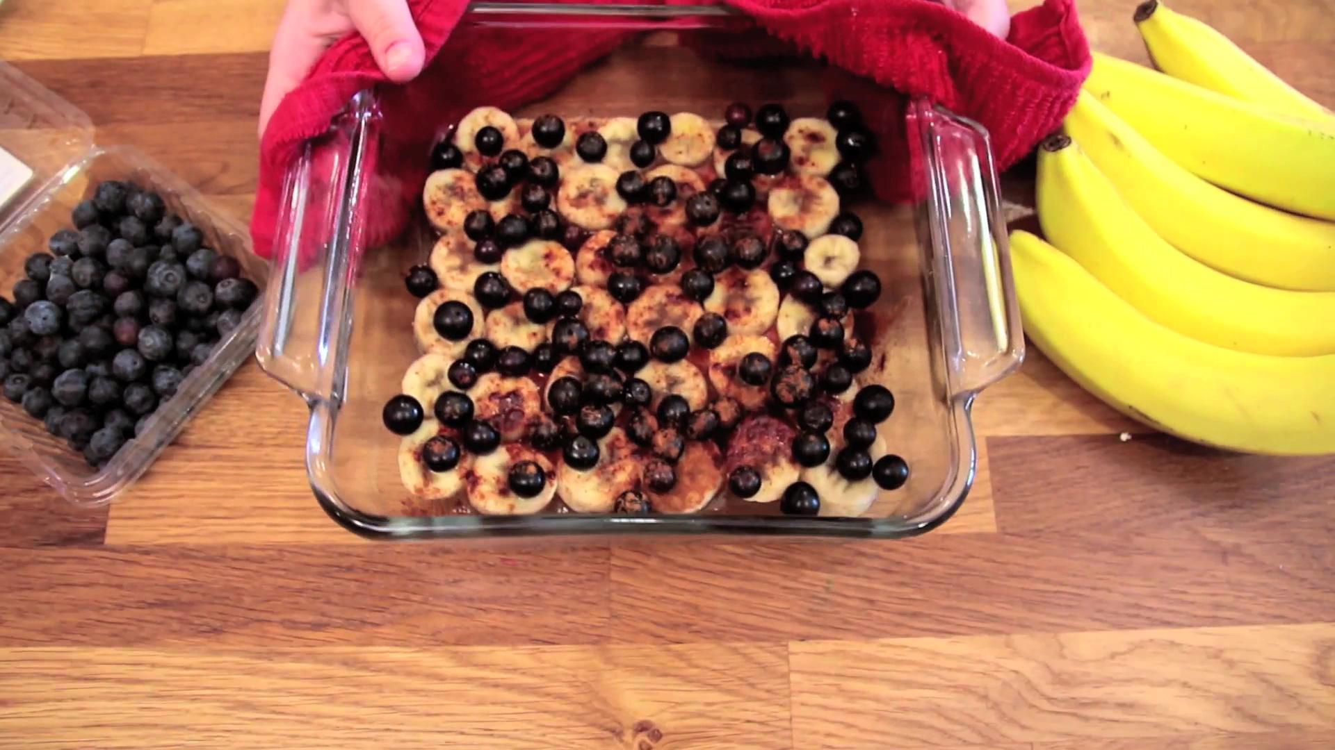 Banana and Blueberry Baked Oatmeal
