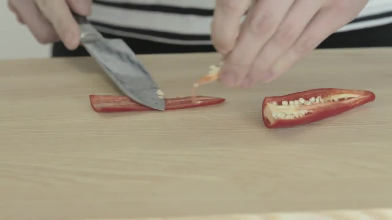 How to Chop a Chilli