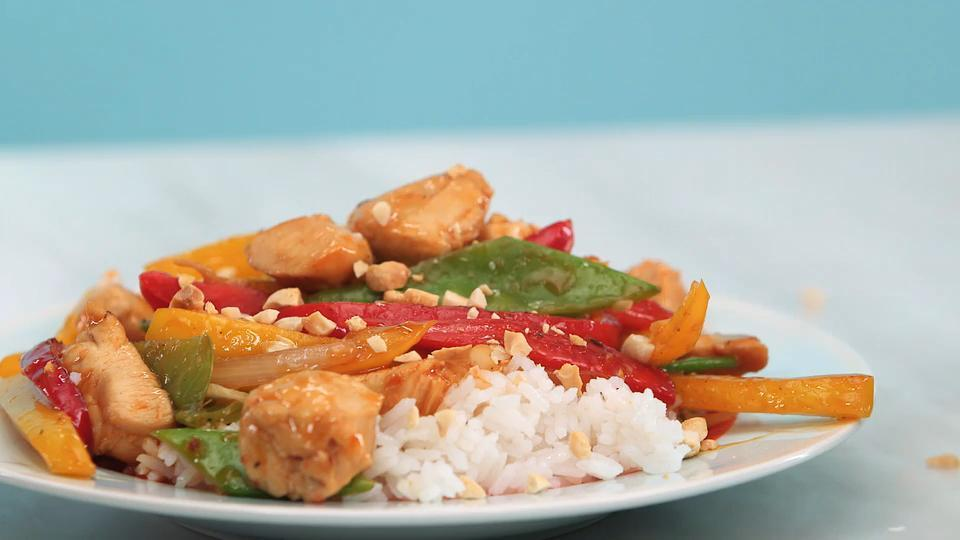 How to Make Szechuan Chicken Stir-Fry