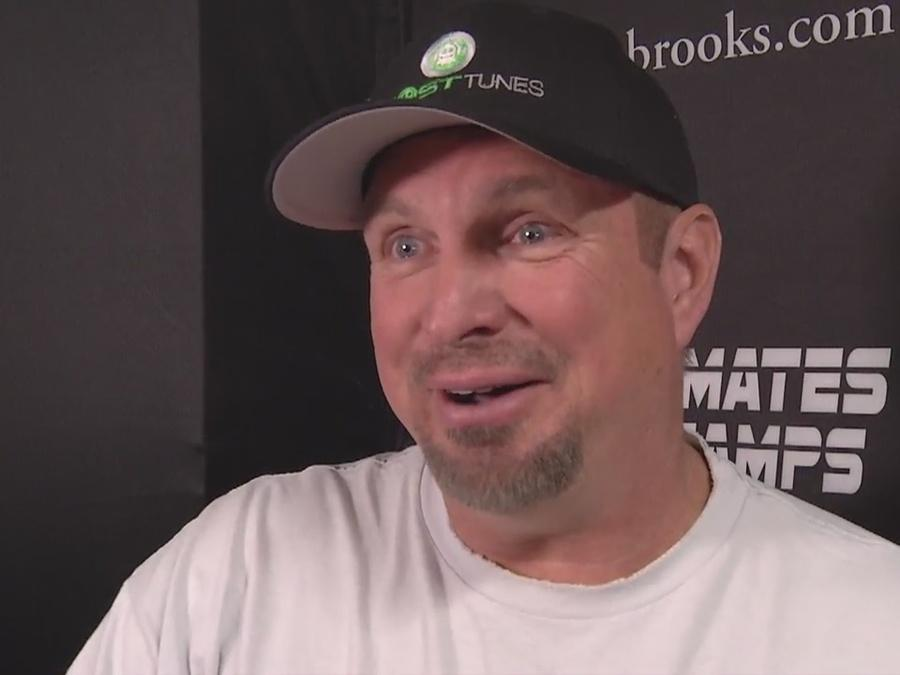 Garth Brooks coming to T-Mobile Arena