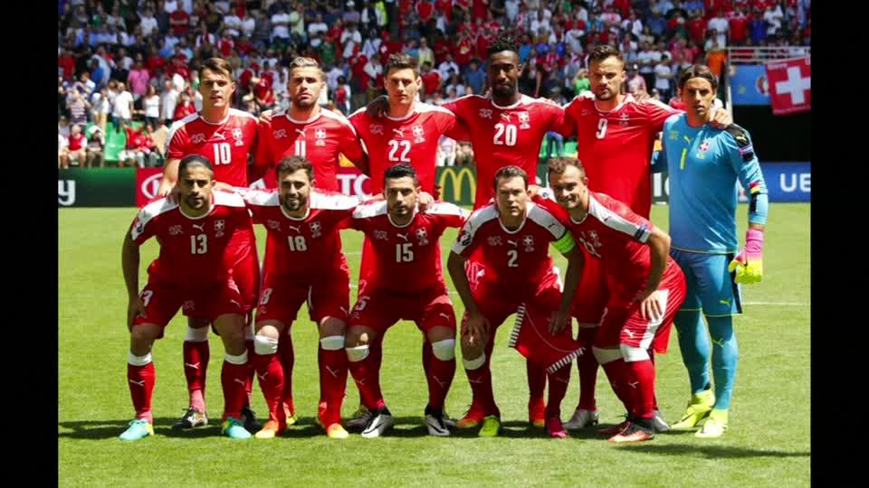 Poland beat Switzerland on penalties to reach quarters