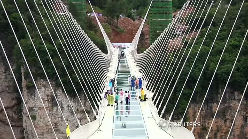 Dramatic safety tests for glass-floor bridge