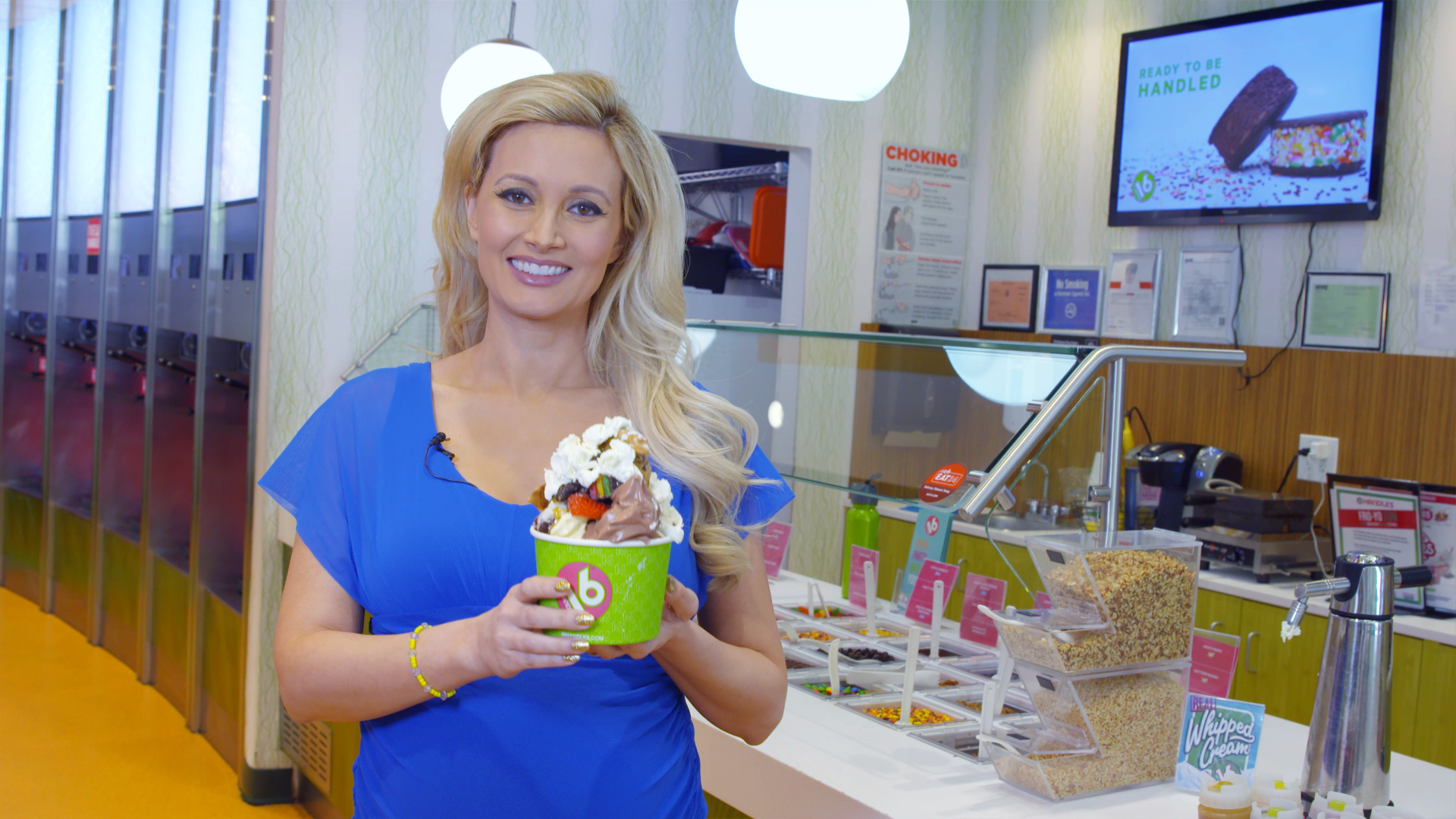 Holly Madison's  Ultimate Fro-Yo