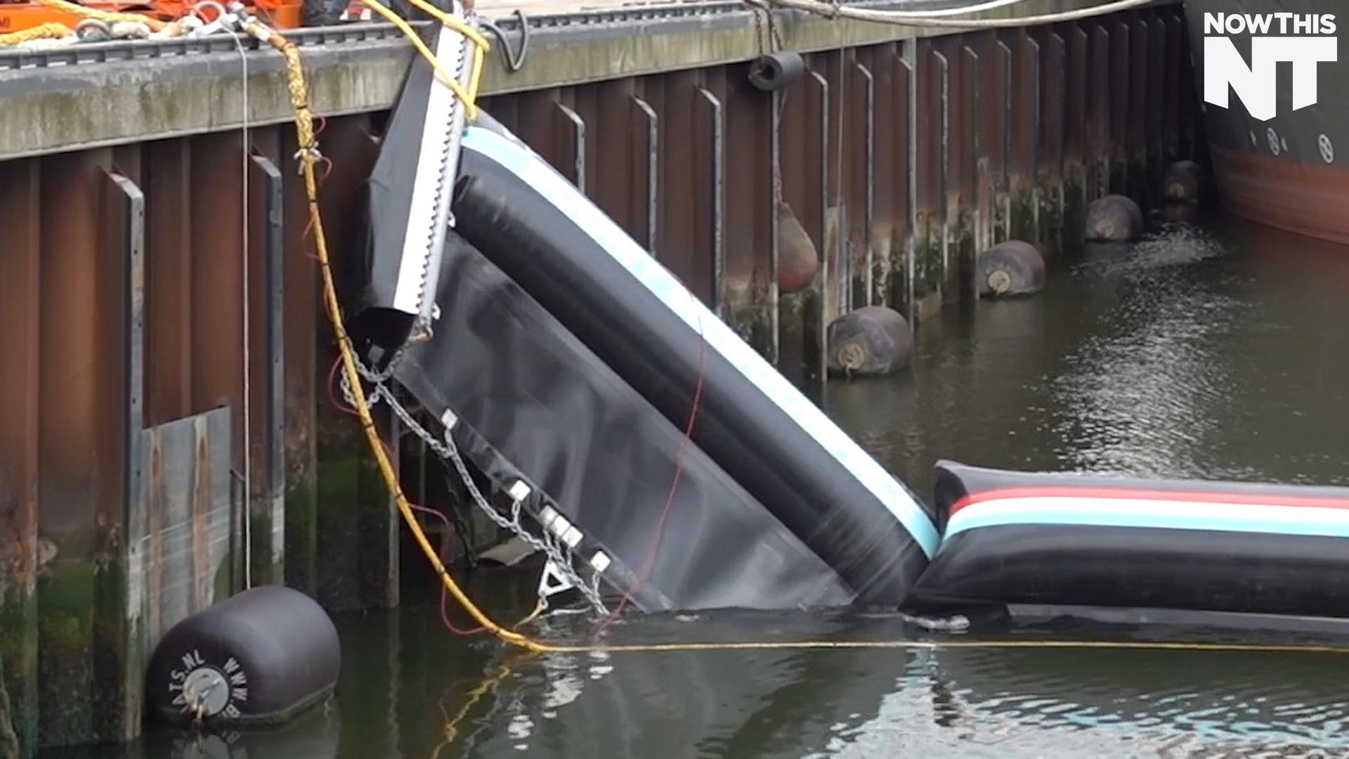 Floating Barrier Keeps Out Ocean Trash