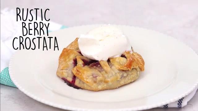 How to Make Rustic Berry Crostatas