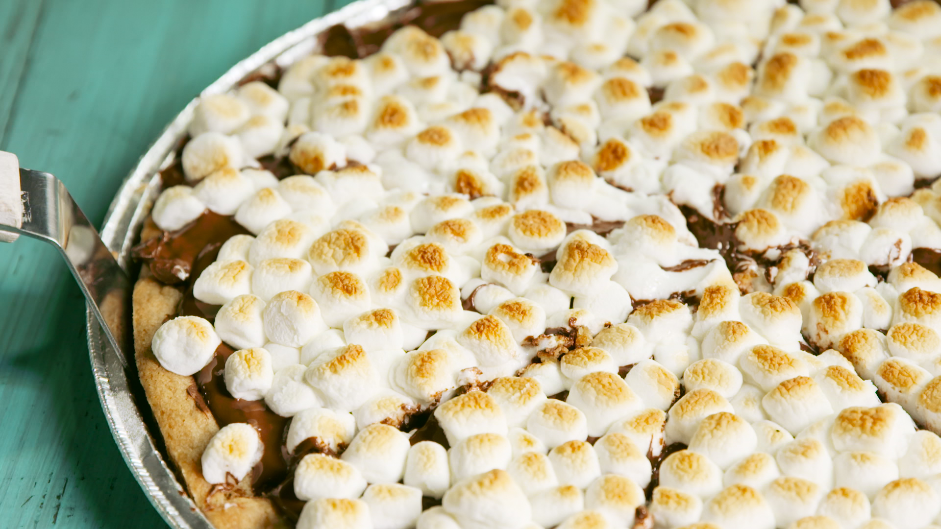 HOW to Make S'mores Pizza